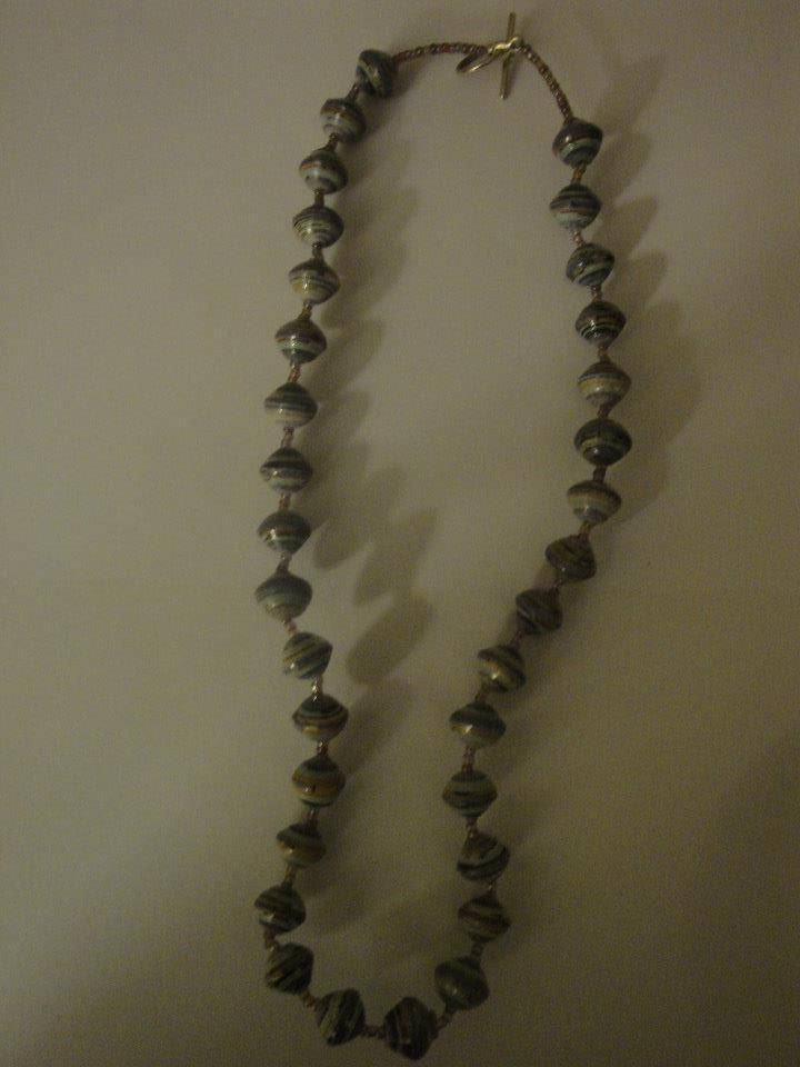 012 Ogrlica dugačka 44 cm od papira